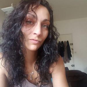 Nadine27, 32 (BE)